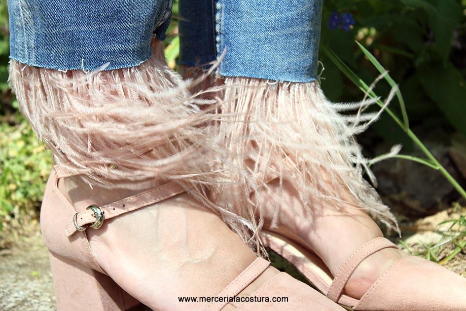 bajos-vaquero-pantalon-plumas-nude-detalle