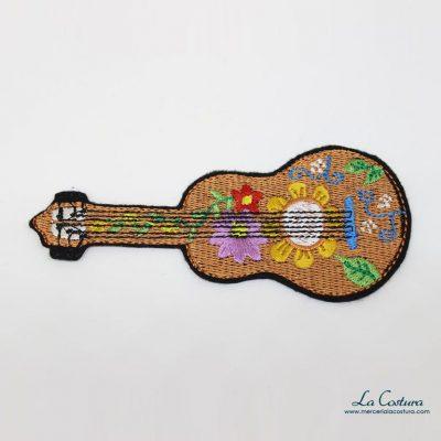 parche-bordado-guitarra-flores
