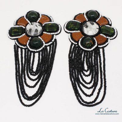 aplique-con-abalorios-y-piedras-forma-flor