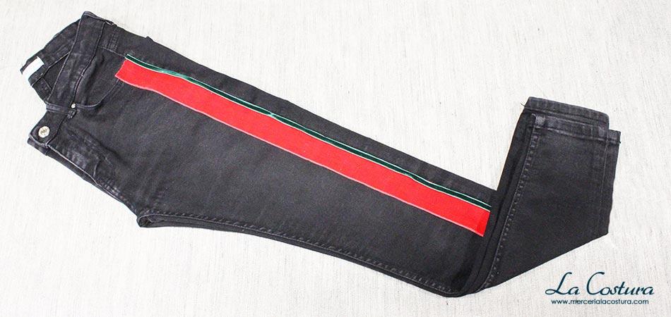 pantalon-banda-lateral-lazo-terciopelo-rojo-verde