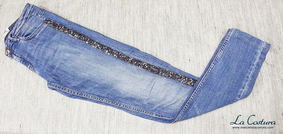 pantalon-banda-lateral-pasamaneria-rocalla-pedreria