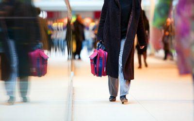 3 maneras de personalizar tu maleta para identificarla fácilmente