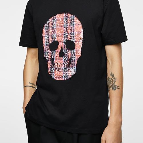 Camiseta hombre con parche de lentejuelas