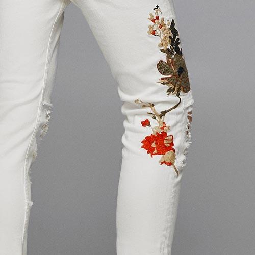 Jeans hombre con parche flor