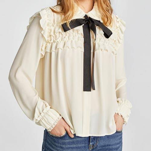 Lazada en el cuello de camisa o blusa