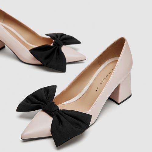 Lazada en punta de zapato de salón
