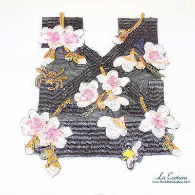 Pechera termoadhesiva rectangular con flores