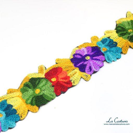 Pasamanería flores de lana estrecha