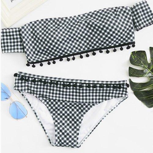 Bikini con borlas en braguita y sujetador