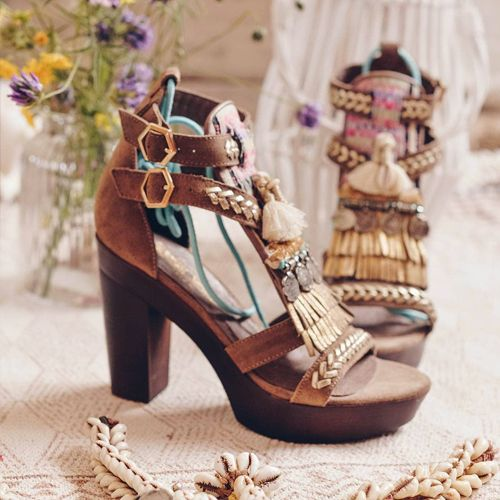 Sandalias con tacón estilo boho chic