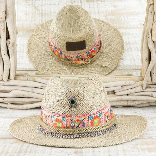 Sombrero estilo étnico con pasamanería y strass