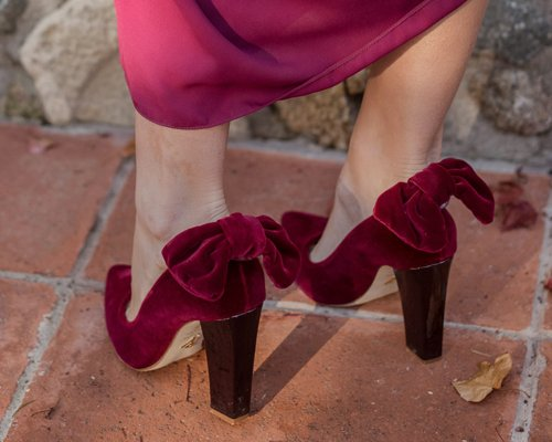 Zapatos de salón con lazo de terciopelo