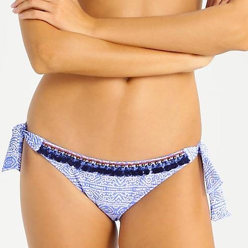 Braguita de bikini con fleco y pasamanería en la zona superior