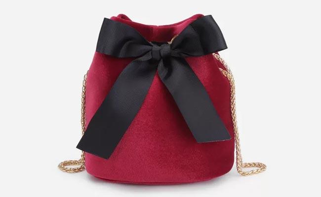 15 propuestas para customizar tus bolsos de nueva temporada