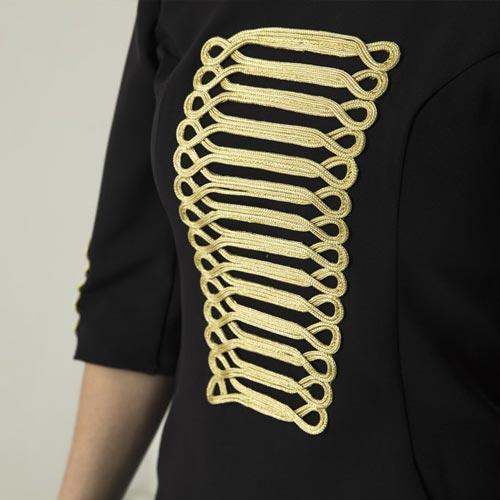 Blusa con manga francesa y pechera dorada