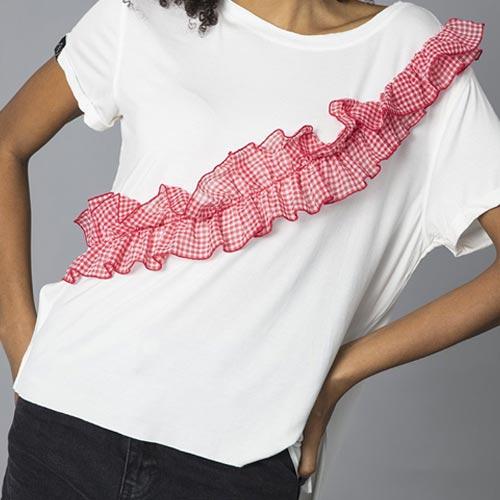 Camiseta volante fruncido de cuadro vichy rojo y blanco