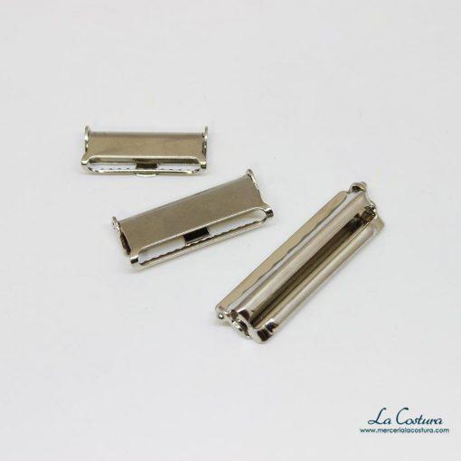 Clips metálicos para tirantes cerrados
