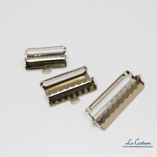 Clips metálicos para tirantes abiertos