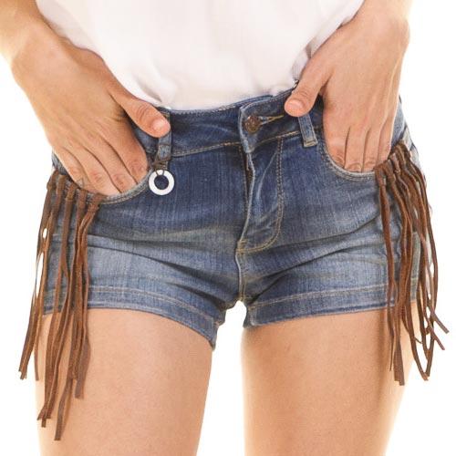 Shorts denim con flecos de antelina en bolsillos