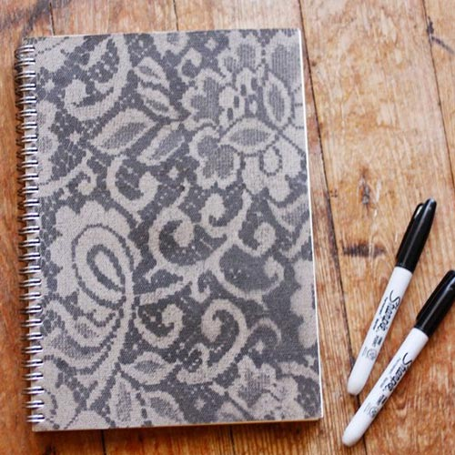 Cuadernos decorado con puntilla o encaje
