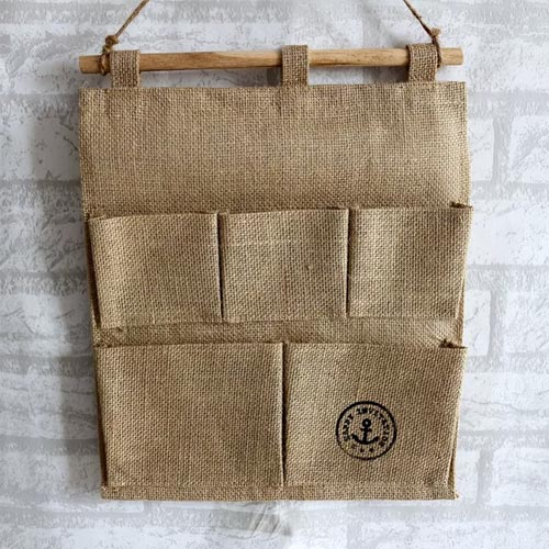 Organizador de pared con tela de saco