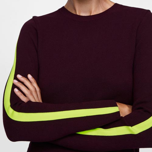 Jersey con banda lateral en las mangas