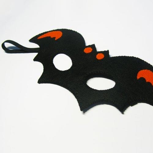 Máscara de murciélago realizada con fieltro