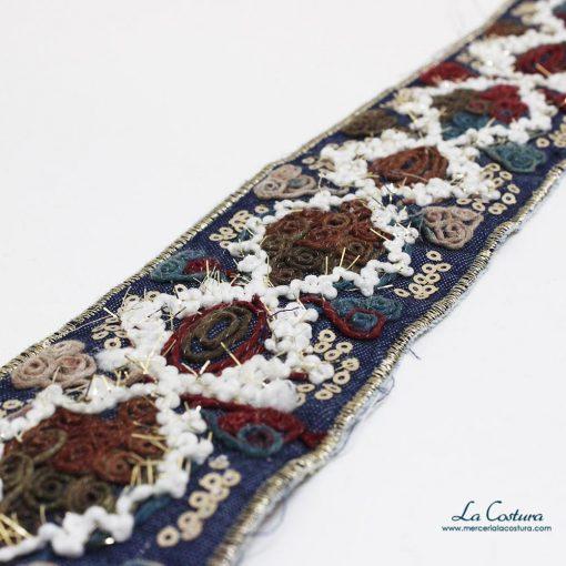 Galón denim y lana flores detalle
