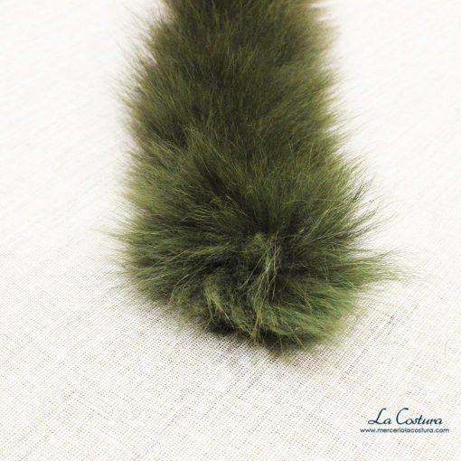 Detalle tira de pelo natural de colores
