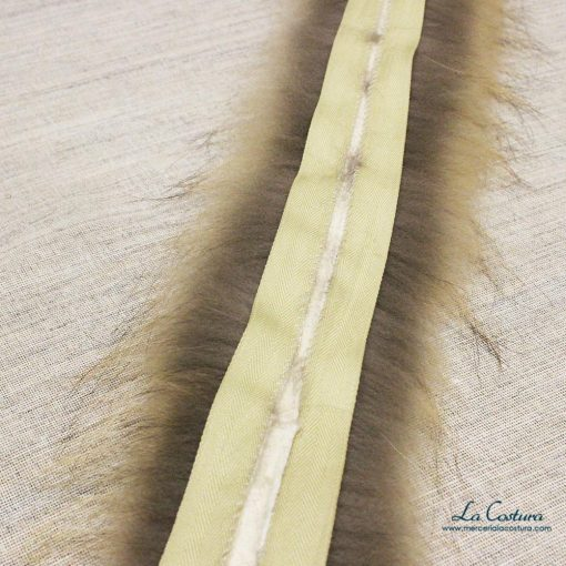 Tira de pelo natural por metros interior detalle