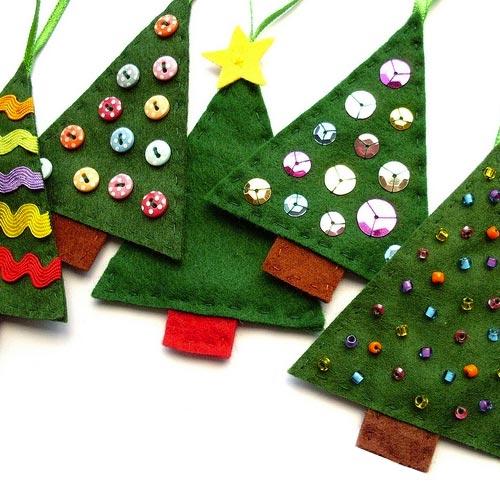 Árbol decorativo de fieltro para Navidad