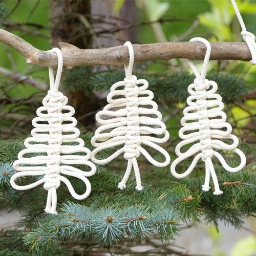 Arbolitos de navidad de cordón anudado