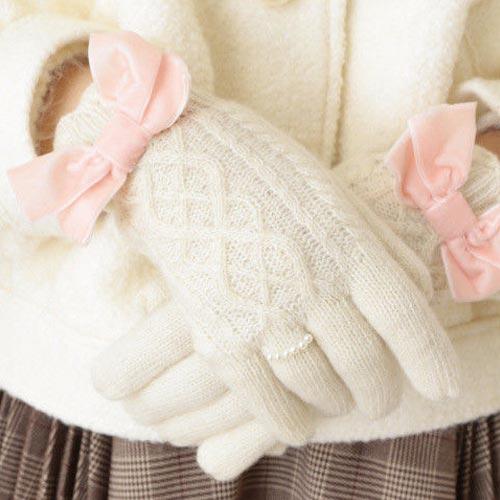 Guantes de lana con adorno de lazo de terciopelo y perlas