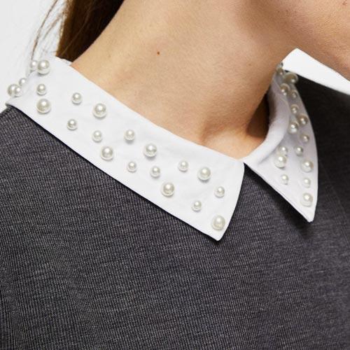 Cuello desmontable con perlas