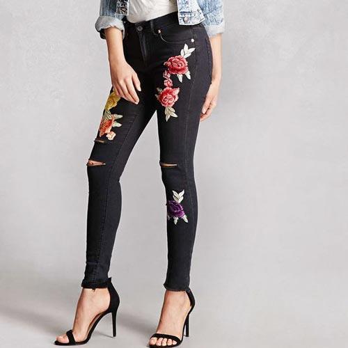 como-arreglar-tus-jeans-flores