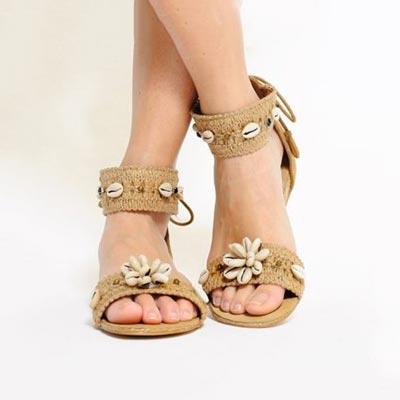 8-formas-customizar-sandalias-conchas