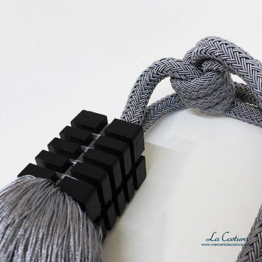 alzapano-gris-detalle-plateado