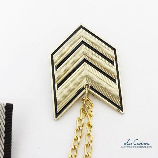 broche-galon-militar-dorado-escudo-detalle-insignia