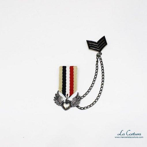 broche-militar-corazon-alas-cadena