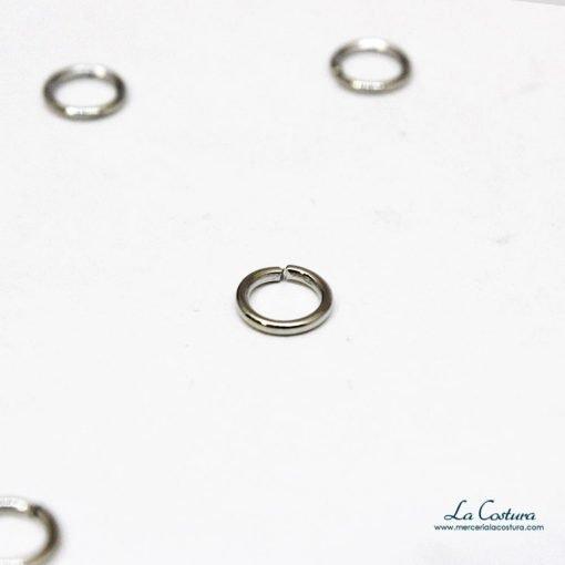 anillas-metalizadas-abiertas-pequenas-plaetado-detalle