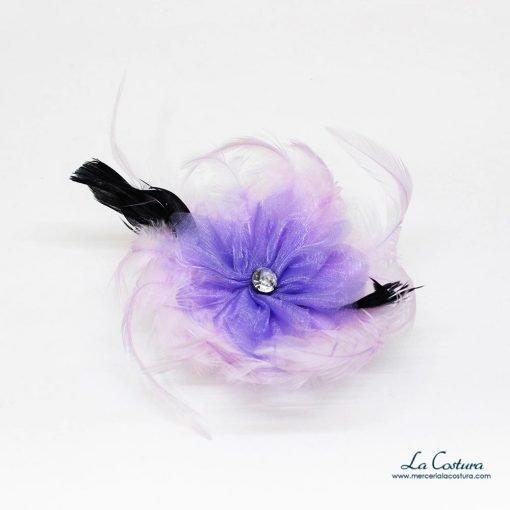 flor-gasa-plumas-lila