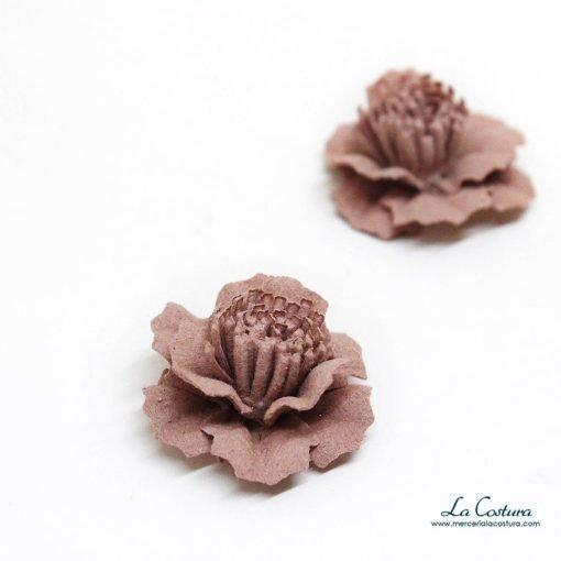 flor-pequena-tela-rosa-zoom