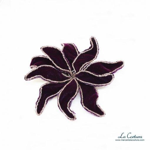 flor-terciopelo-abalorios-berenjena