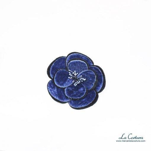 flor-terciopelo-con-pistilo