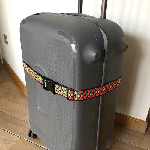 como-hacer-un-llavero-y-una-cinta-para-maletas