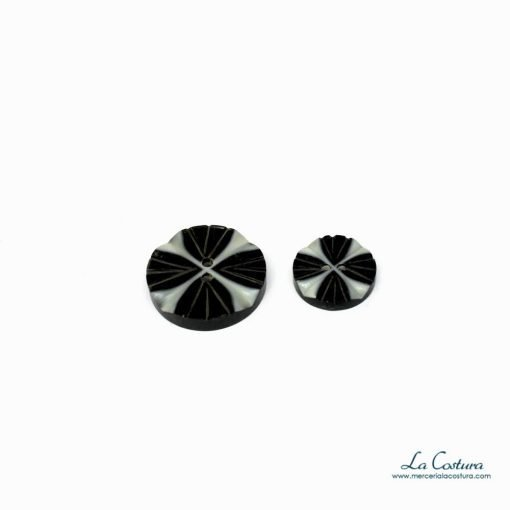 boton-madera-flor-loto-negro