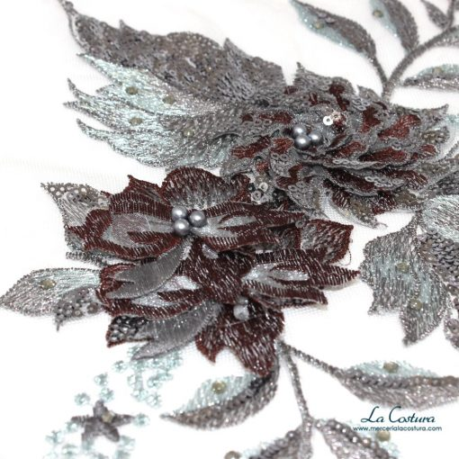 parche-flor-con-lentejuelas-y-tul-azul-detalles