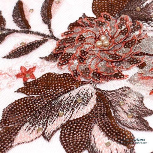 parche-flor-con-lentejuelas-y-tul-rojo-detalle