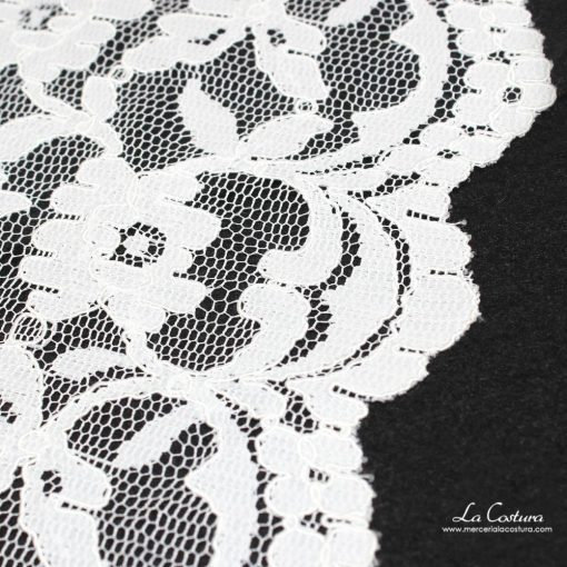 puntilla-nylon-elastica-de-19-cm-detalle