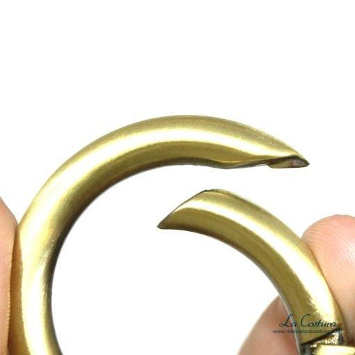 anillas-metalicas-pequenas-abiertas-detalles